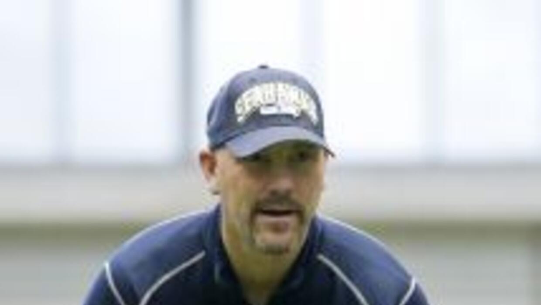 Los Jaguars optaron por Gus Bradley como su entrenador en jefe.