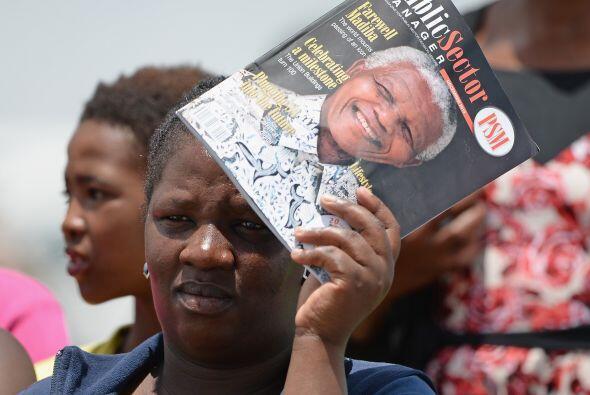 Y mientras ocurrían el funeral y sepelio de Madiba, los sudafrica...