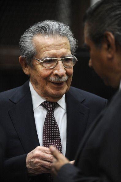 Pese a que el juez dio a Ríos Montt y Rodríguez la oportunidad de pronun...