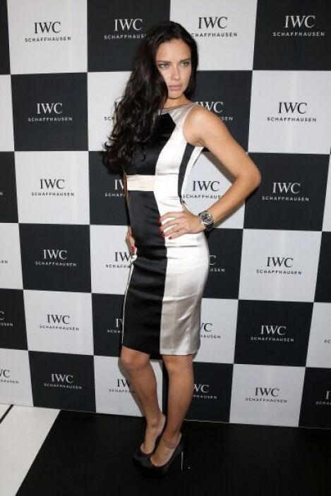 La brasileña Adriana Lima es otra latina de cuerpo espectacular. ¡Ella s...
