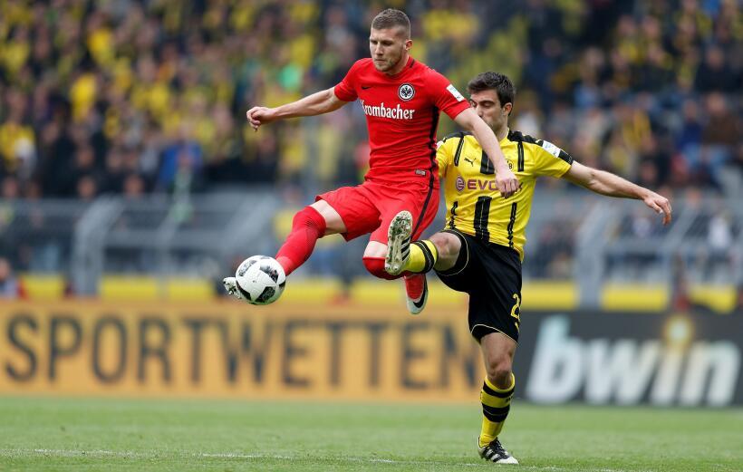 Gol de Marco Fabián al Dortmund, elegido como el mejor de la Bundesliga...