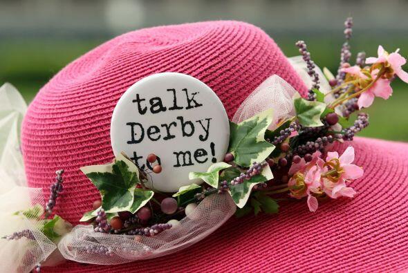 En numerosas ocasiones, estos sombreros solo se utilizan para el Derby d...