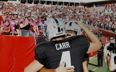 Emocionante duelo que Raiders se llevó en tiempo extra ante 'Bucs'