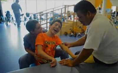 Gracias a la mejoría de José González, se puede comunicar con sus padres
