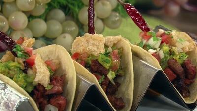 El Chef Omar Covarrubias preparó 'Los Tacos del Amor'