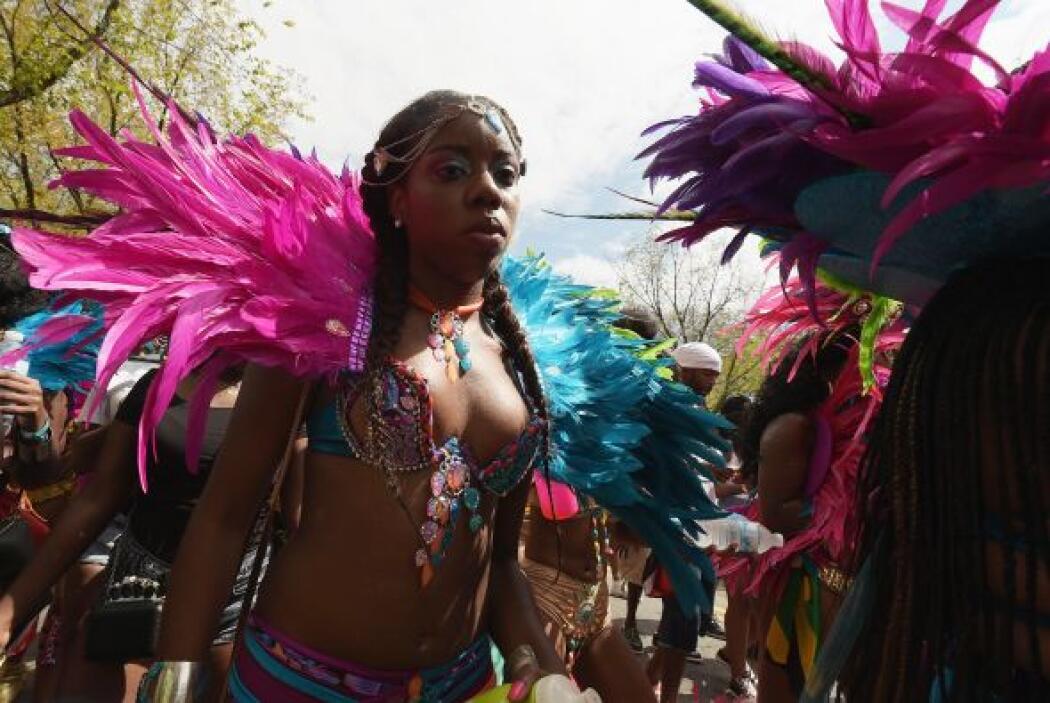 Este desfile representa varios países, entre ellos Haití, Barbados, Jama...