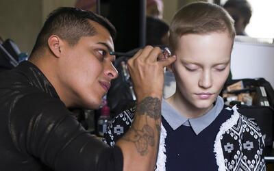 Antes de empezar su primer desfile en Milán Fashion Week Luis Tor...