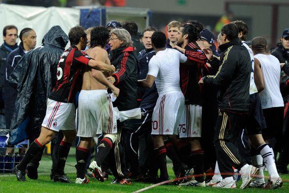 Y todo terminó en un caos, lamentable final de un partido de la Copa de...