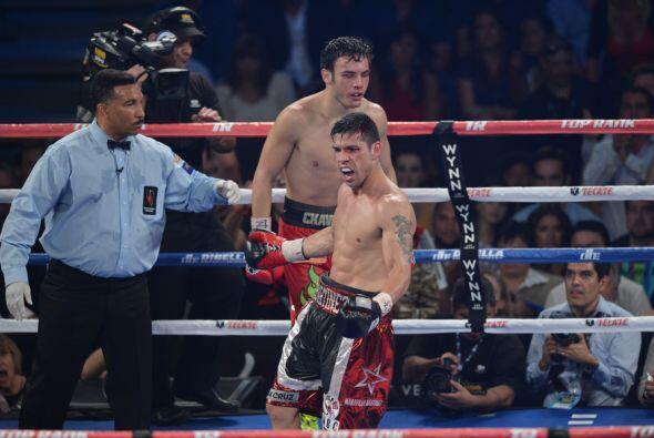 Martínez celebró cuando terminó el round 11.