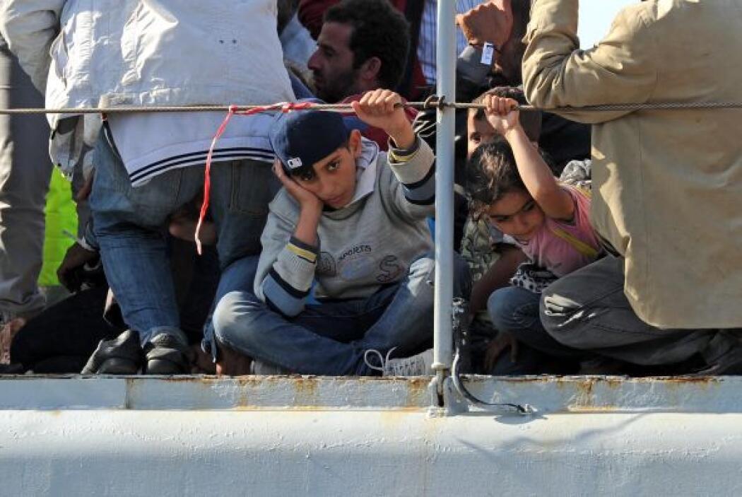 Además, a lo largo de este lunes, la marina ha rescatado a otros 837 sin...