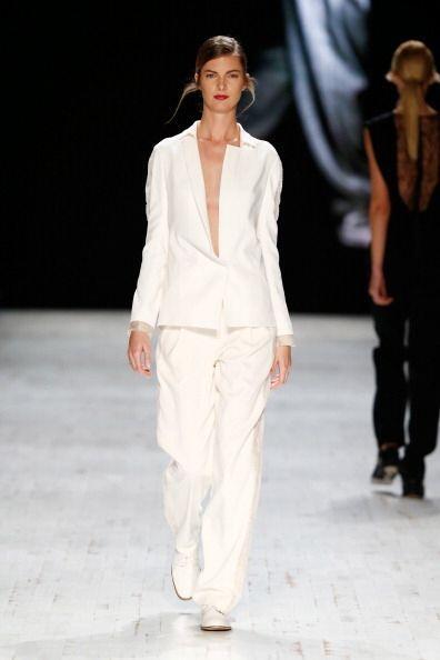 Consigue un 'look' uniforme y muy formal, pero a la moda usando un 'blaz...