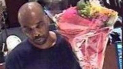 NYPD detuvo a un hombre que asaltaba bancos en NY con el pretexto de ent...