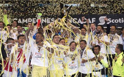 América sumó su séptimo título de la Concacaf tras vencer a Tigres en la...