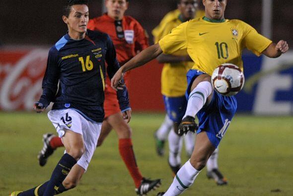 Brasil se mide contra Uruguay, mientras que Argentina se enfrentar&aacut...