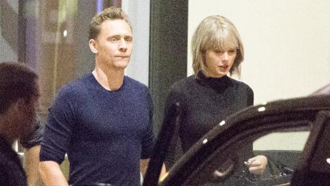 Taylor Swift y Tom Hiddleston flechados por Cupido.