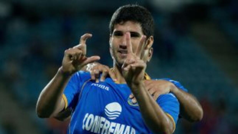 Lisandro aprovechó uno de los pases de Pedro León para marcar.