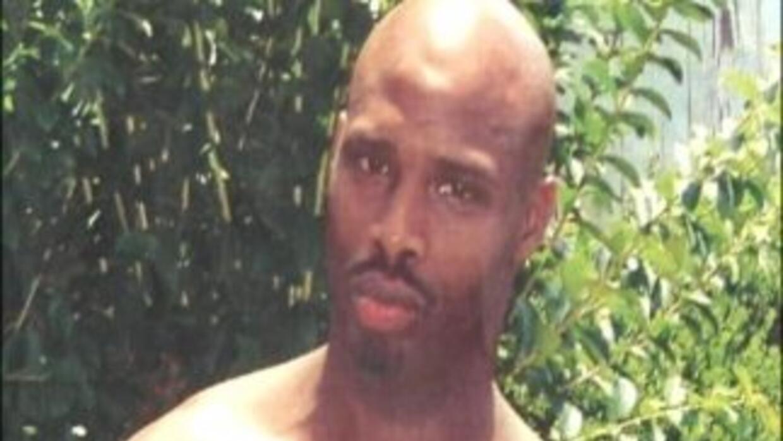 Jamie Hood, de 33 años, está acusado de matar a un policía en el estado...