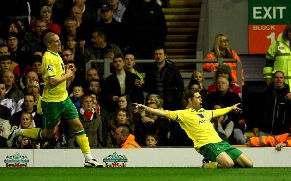 El Norwich City, equipo recientemene ascendido, festejó el empate...