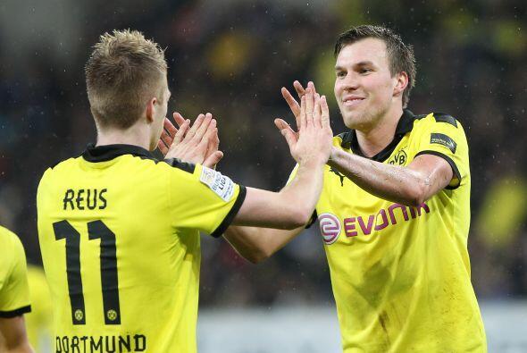 Reus marcó un 'hat-trick' y llevó a que el Dortmund se man...