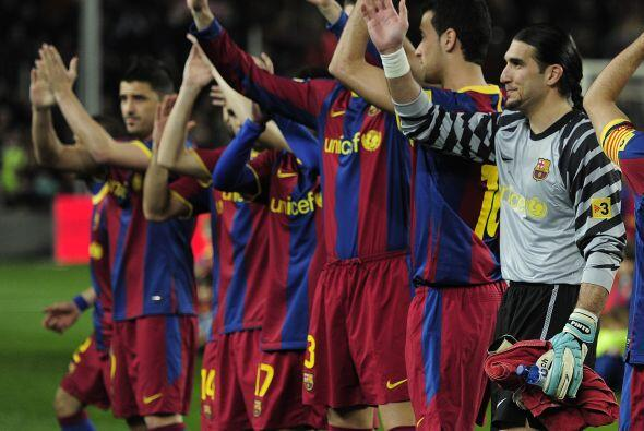 El equipo 'blaugrana' salió al campo para enfrentar al Athletic d...