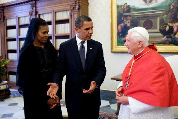La primera dama y su esposo se reunieron con el Papa Benedicto XVI en el...