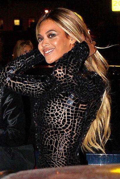Sin embargo, ahora luce una larga y rubia cabellera con la que luce m&aa...
