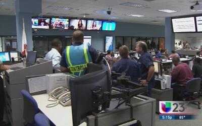 La oficina de emergencias de Miami se prepara para la temporada de hurac...