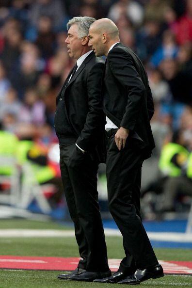El partido aburrió y el público protestó. Ancelotti tuvo que hacer cambi...