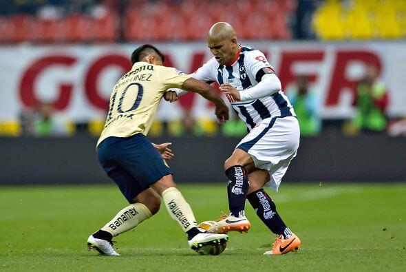 Humberto Suazo, el chileno tuvo un partido muy discreto cuando más lo ne...