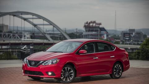 Nissan 2017_Nissan_Sentra_SR_Turbo_03.JPG