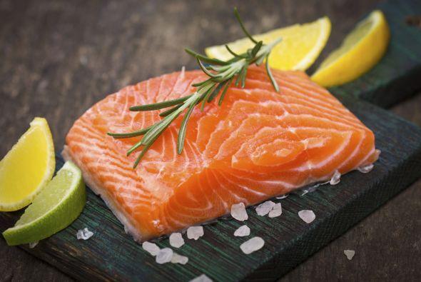 Salmón El salmón es un alimento excelente para combatir el estrés, la an...