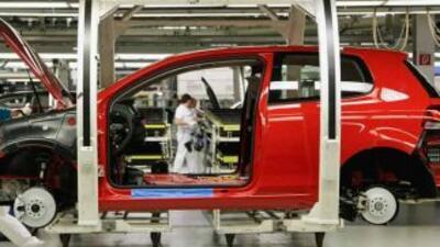 Chrysler se sumó a Toyota, que reconoció que sus plantas de montaje nort...