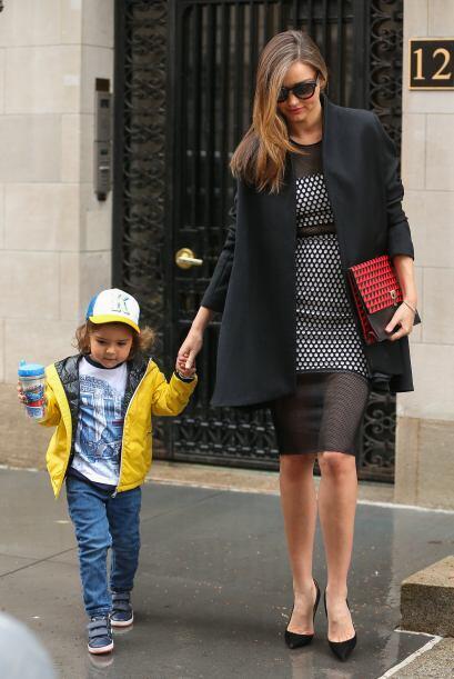 Encontramos a Miranda y su pequeño Flynn en Nueva York y notamos que el...