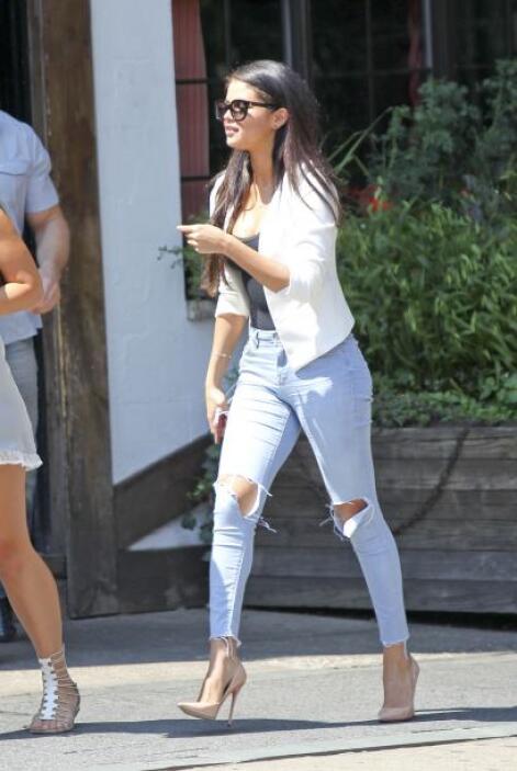 ¿Será éste el motivo del cambio radical de Selena?Mira aquí los videos m...