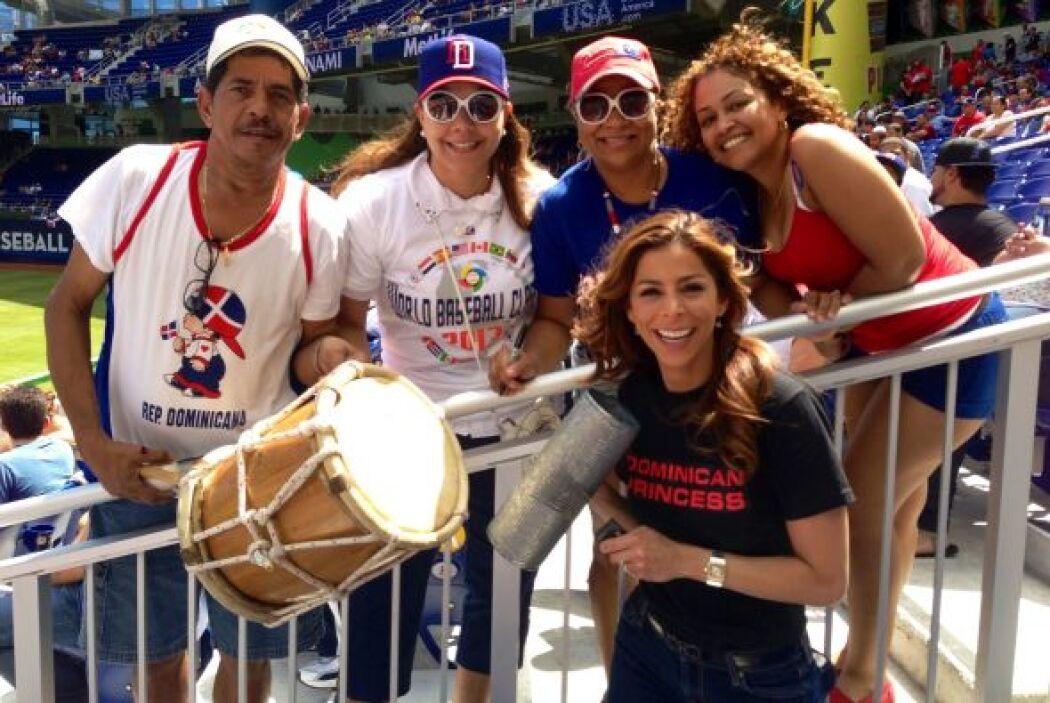 Por supuesto que la Dominican Princess también es reclamada por sus fans.