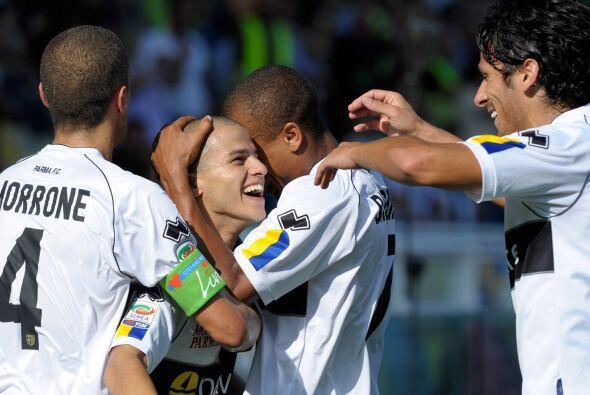 La 'hormiga atómica' marcó dos tantos ante el Genoa, una excelente actua...