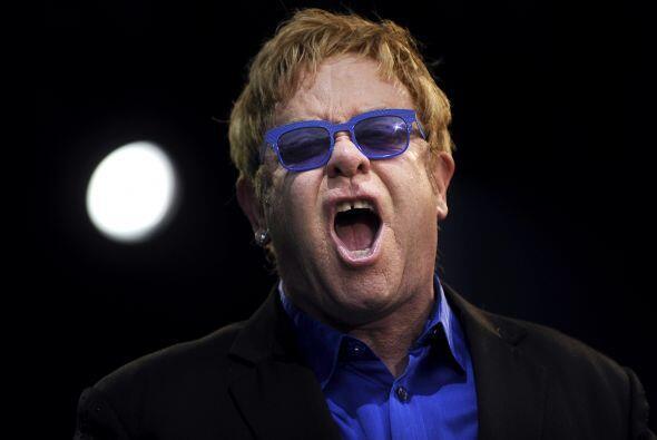 Elton John nació el 25 de marzo de 1947.