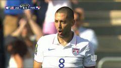 Goooolll!! Clint Dempsey mete el balón y marca para Estados Unidos