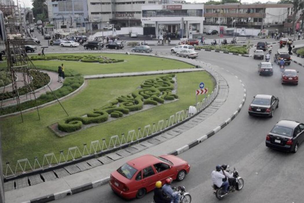 41- LAGOS, Nigeria. Posición anterior 62. El 29 de mayo pasado, Goodluck...