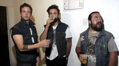Randy Ebright, Tito Fuentes y Micky Huidobro de la banda mexicana Moloto...