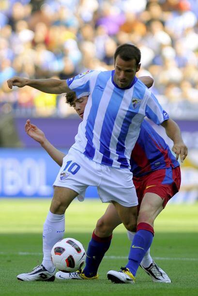 Sergi Roberto, del Barcelona, y Antonio Galdeano, del Málaga, man...