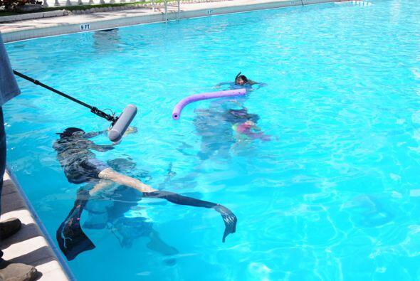 Posar debajo del agua con la ayuda de una pañoleta fue el nuevo r...