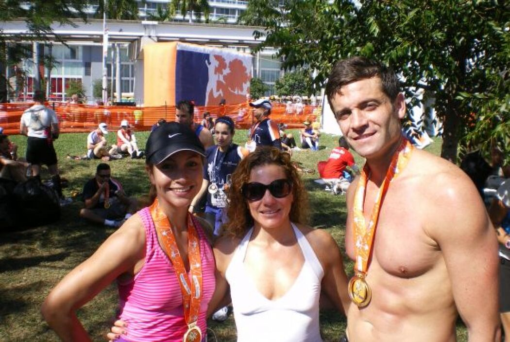 Con su entrenadora Stella Shalem  y su novio Aaron.