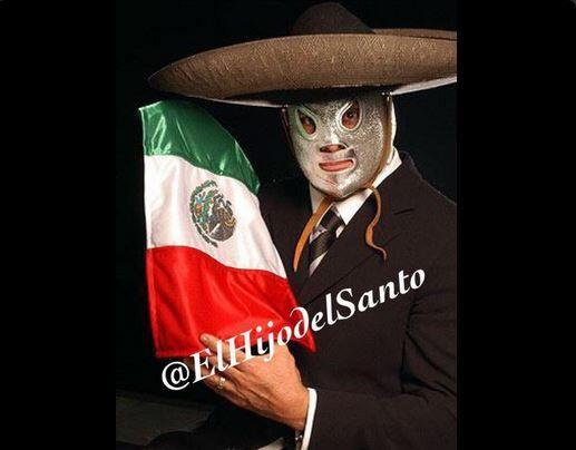 Qué mejor símbolo para los mexicanos: el hijo del santo, v...