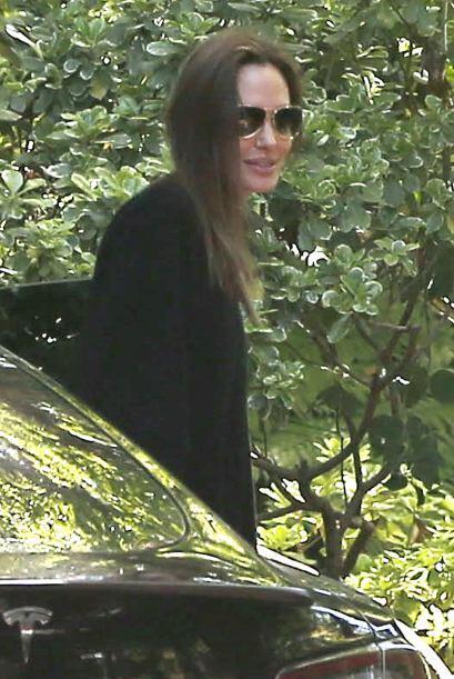 Angelina se ve muy flaquita. Mira aquí los videos más chis...
