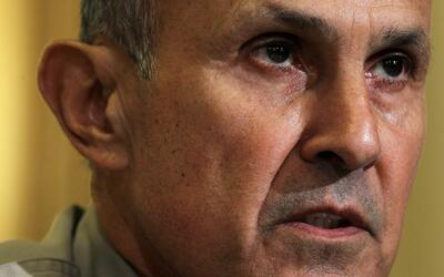 Condenan al exjefe del alguacil de Los Ángeles, Lee Baca, a tres años de...