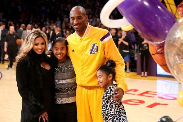 Kobe Bryant debe estar pidiendo a Santa unas piernas nuevas y un equipo...