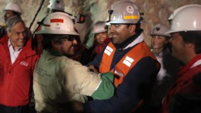 Juan Carlos Aguilar, el minero número 29 en ser rescatado de San José, s...