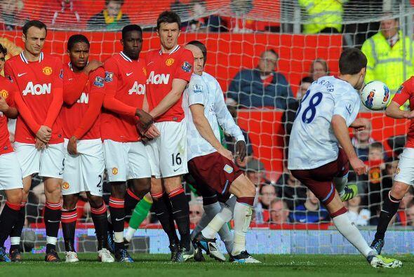 A continuación vino la reacción del Aston Villa, pero casi...