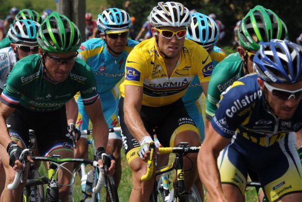 El noruego Thor Hushovd (amarillo) es el líder de la competencia.